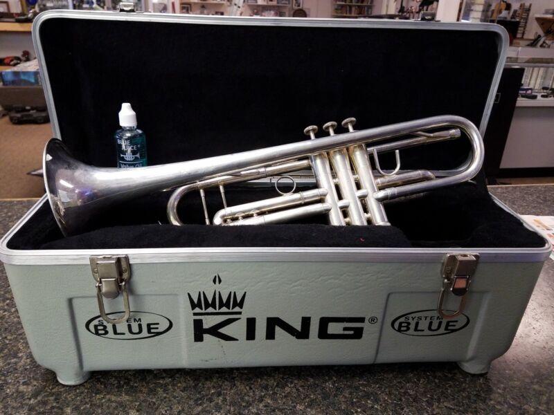 System Blue SB12 Traditional Bb Trumpet KING IN CASE USA make offer L@@K!!