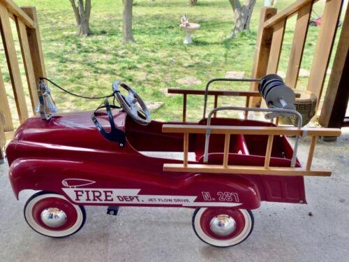 BURNS NOVELTY #287 JET FLOW DRIVE PEDAL CAR FIRE TRUCK FIRE DEPT. W/ LADDERS