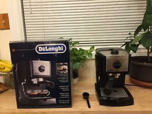 Stainless steel Espresso & Cappuccino Machine - Like NEW