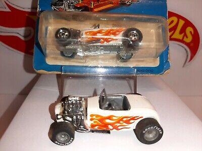 "Hot Wheels Real Riders- '32 Ford- ""Street Rodder"" - 2 car set, white w/gyg & 5sp"