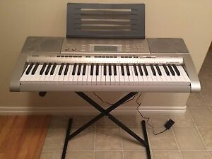 Casio LK-270 electronic keyboard