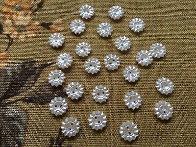 24 loose vintage 40's 50's moulded lustre glass flower shaped buttons, 12mm