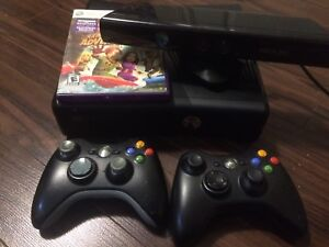 Xbox 360 - Kinect - 2 controllers - Game