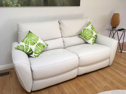 Nick Scali 'Ariel' Electric recliner sofa. 2.5 seater. Pristine.