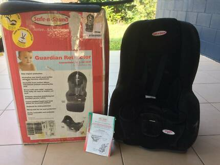 Safe-n-Sound Guardian Retractor Convertible Child Car seat
