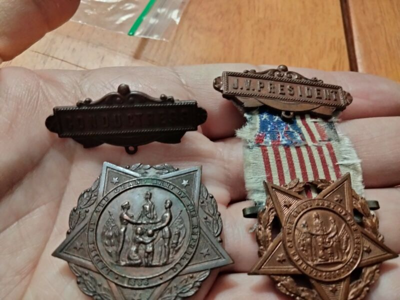 Vintage Gar Grand Army Of The Republic Badge Lot