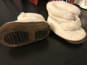 Baby GAP warm booties