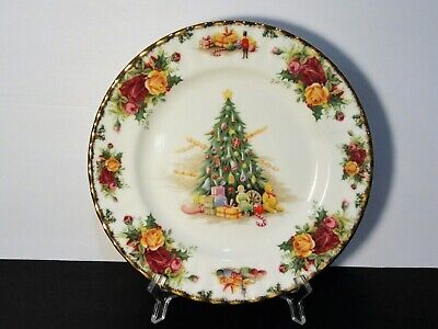 Royal Albert Old Country Roses Magic Christmas Salad Plate  Excellent! ()