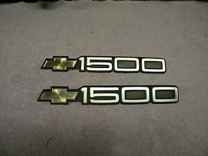 about 88 99 Chevy Silverado / 1500 Door Emblems Left an Right