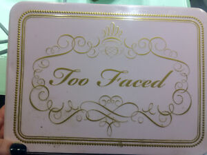 Amazing Too Faced makeup palette