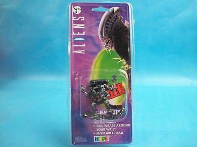 Aliens Hope Toys & Twentieth Century Fox QUEEN ALIEN Molded Digital Watch (B)
