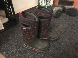 Bogs size 11 T winter boots .