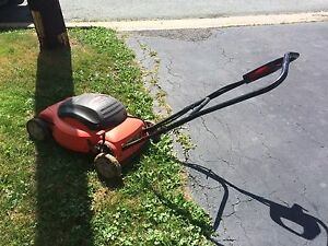 Black & Decker Electric Lawn Mower