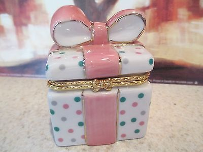 1367 GIFT  BOX TRINKET /TREASURE BOX   GREAT  WITH GIF CASH/CHECK