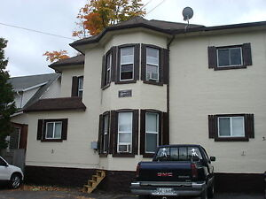 Bright 2 Bedroom unit mins to downtownTrenton