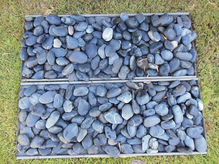 Large river stones for landscaping images for Large river stones for landscaping