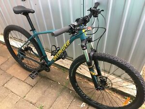 Mountain Bike Specialized 29er 2019 Rockhopper As New Condition