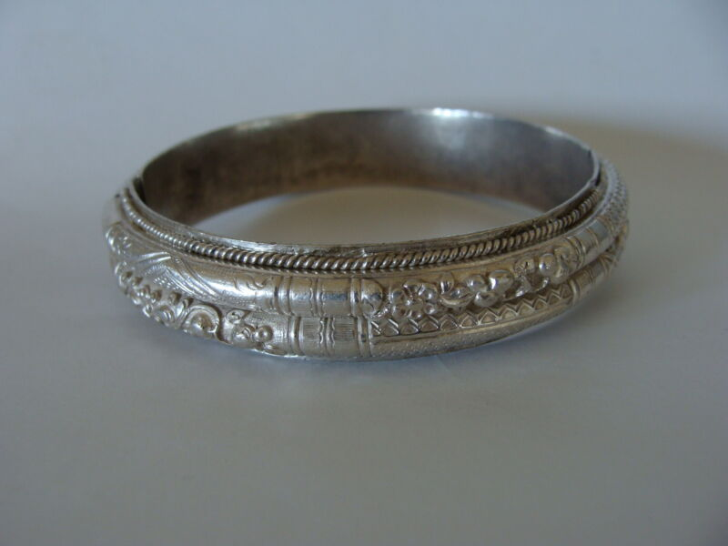 Antique Chinese Export Silver Repousse Signed Floral Double Bangle