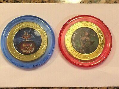 2014 Halloween Four Queens Red & Blue cap set Silver Strike Tokens
