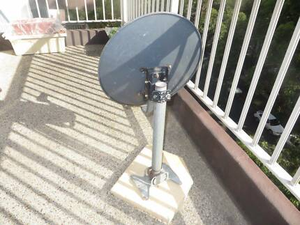 60CM Satellite TV Dish (MOVING OVERSEAS SALE) Chatswood Willoughby Area Preview