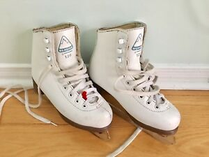 Glacier Figure Skates for Girls - Size 13 for 5-7 years old
