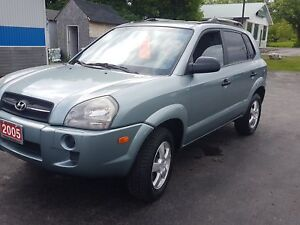 2005 Hyundai Tucson  115K certified etested solid body