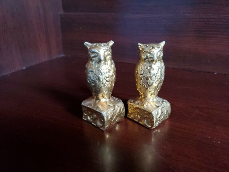 Vintage Salt and Pepper Shakers Ceramic Gold Paint! Owls on Books