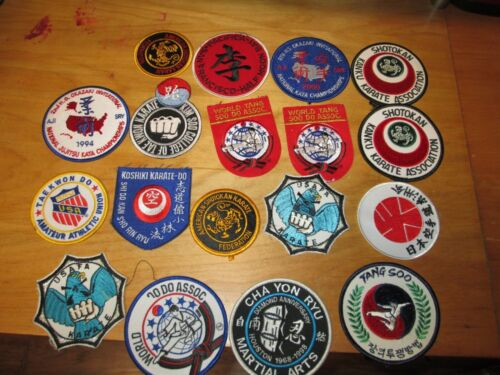 LOT SET COLLECTION OF 18 PATCHES ALL KARATE TAE KWON DO RELATED