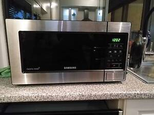 Samsung S/S 20L Microwave Viveash Swan Area Preview