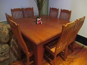 Dinning table Berkeley Vale Wyong Area Preview