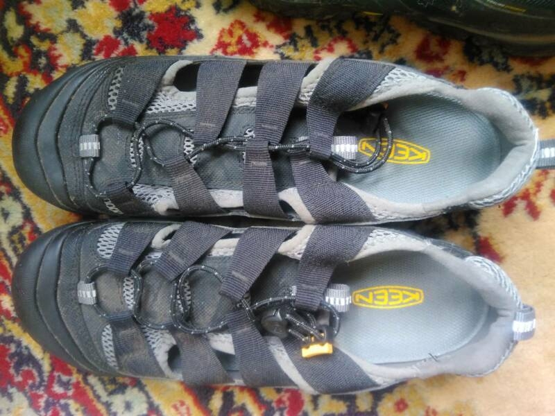 f91bb8ba2a9a Keen Cycling sandals - size 42 or US9