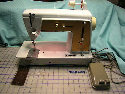 SINGER TOUCH & SEW ZIGZAG SEWING MACHINE 603 ALL METAL GEARS