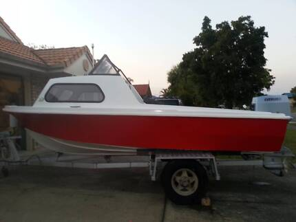 Half cabin boat with 70hp evinrude outboard Caboolture Caboolture Area Preview