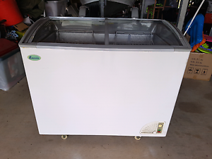 Freezer - showcase chest Narangba Caboolture Area Preview