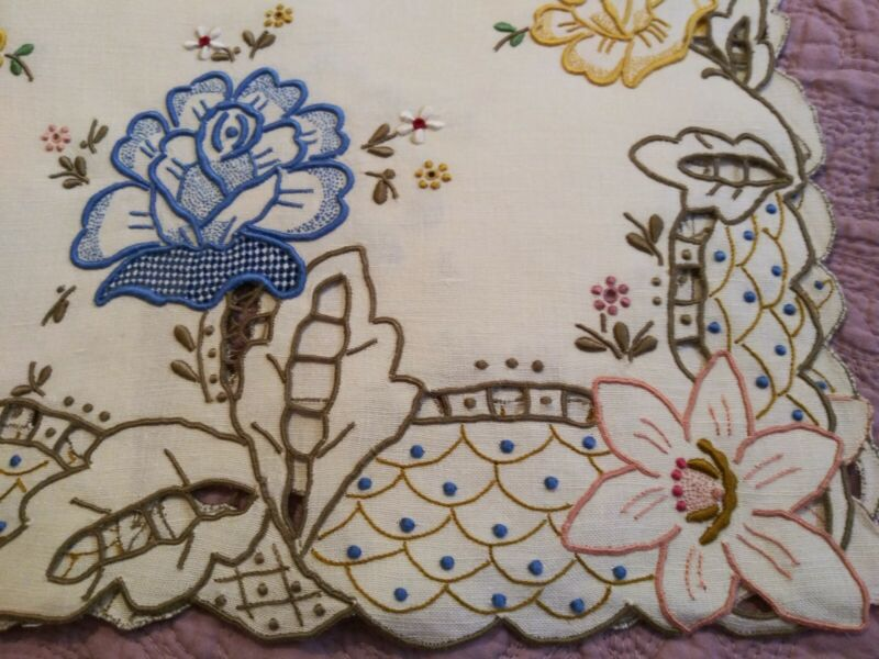 """Amazing Colorful Floral Embroidered and Cutwork Madeira Linen Runner 26""""x13.5"""""""
