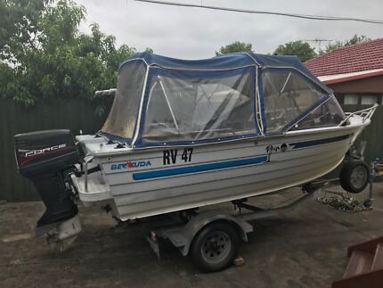 Runabout motor boat ideal for fishing in the bay (Quintrex 4.7m)