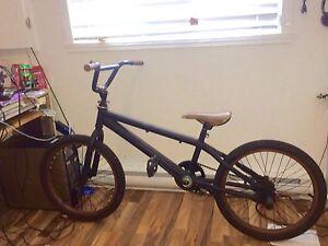 BMX d'origine neuf