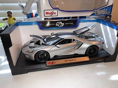 Maisto 2017 Ford GT Concept 1:18 Diecast Model Car Silver With Black Stripes!