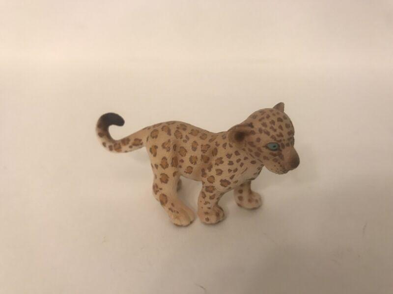 SCHLEICH Wild Animal Figure Leopard JAGUAR CUB Sitting 14622 RETIRED
