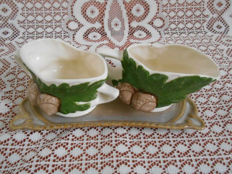 Vintage 79  Set of 2 sauceboats-acorns   &  tray
