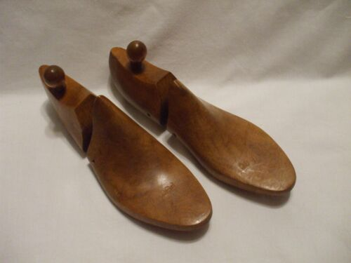 """Vtg ? Shoe Tree Co. Wooden Shoe Trees Keepers P8C Made in USA 11"""""""