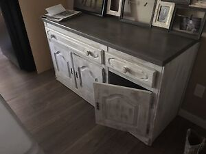 refurbished Hutch , table, bench ans four chairs