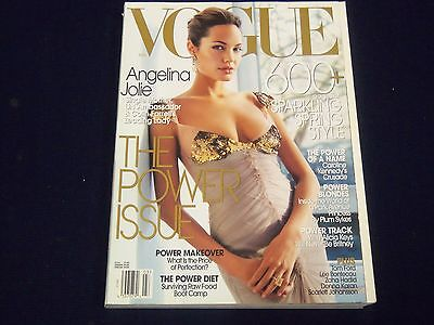 2004 MARCH VOGUE FASHION MAGAZINE - ANGELINA JOLIE COVER - GREAT PHOTOS - F 4073