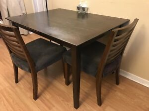 Dining desk with two chairs