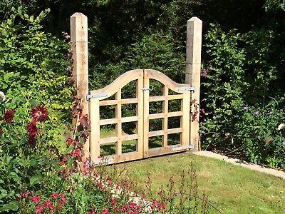 solid wood garden gates, oak, bespoke gates, handmade in the UK