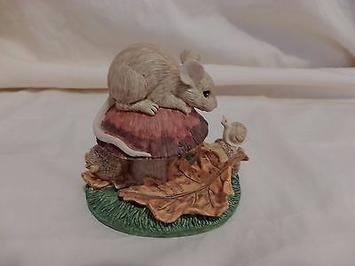 CHARMING TAILS SIGNED VINTAGE FALL FROLICKING 85401 DEAN GRIFF(41)