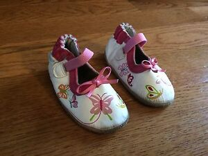 Robeez shoes size 6-12 months