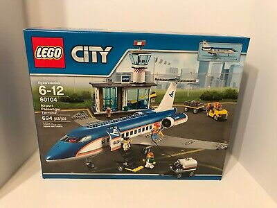 NEW LEGO CITY 60104 Airport Passenger Terminal Airplane Set Retired
