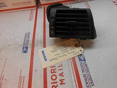 99-06 BMW 3-series E46 RH dash air vent 64228361898 8361898  NK0828