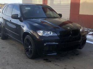 X5M Superfast , 555+Hp, Pano Sunroof, Backup/360deg Camera.